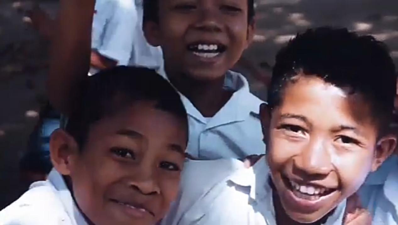 WAJAH PENDIDIKAN INDONESIA DI NEGARA TETANGGA