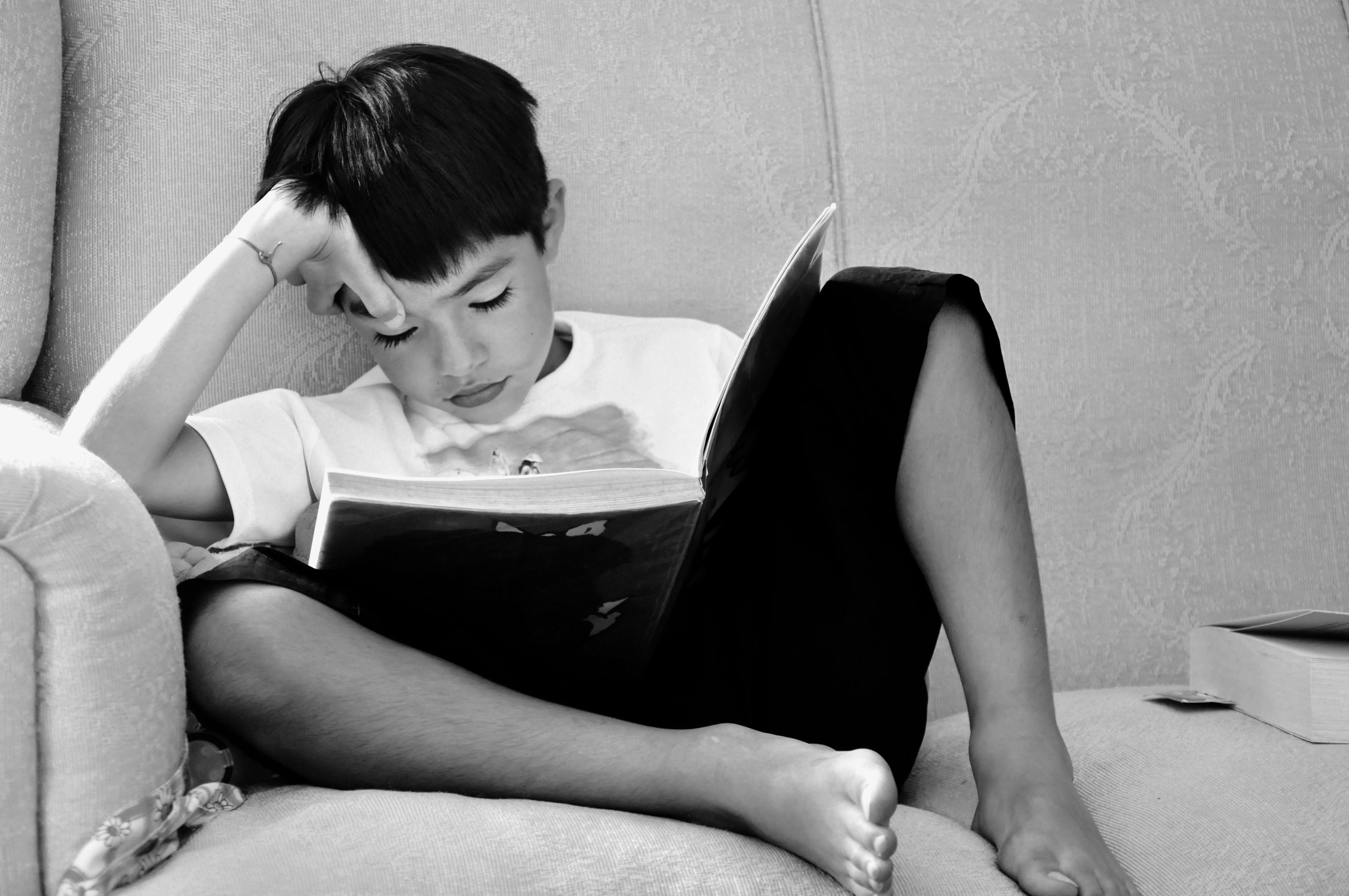 Inilah 4 Alasan Kenapa Orang Indonesia Engga Suka Membaca Buku. Kamu Termasuk Engga Yaa?