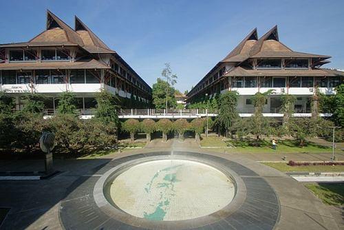 Ini Dia 5 Kampus Favorit di Kota Kembang