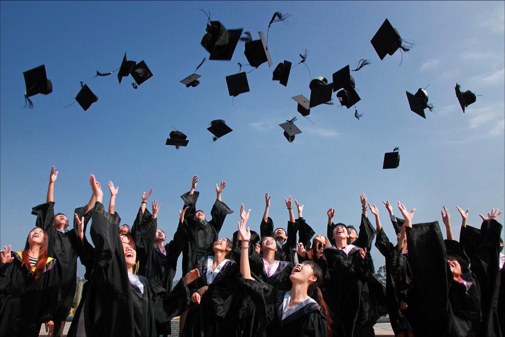 Tips Kuliah sambil kerja Sampai Jadi Seorang Sarjana