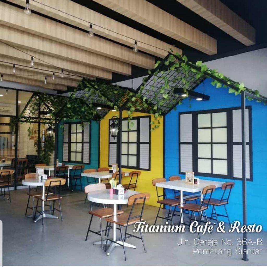 Cafe Titanium