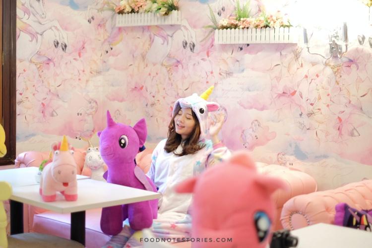 Desain Interior Cafe Unicorn