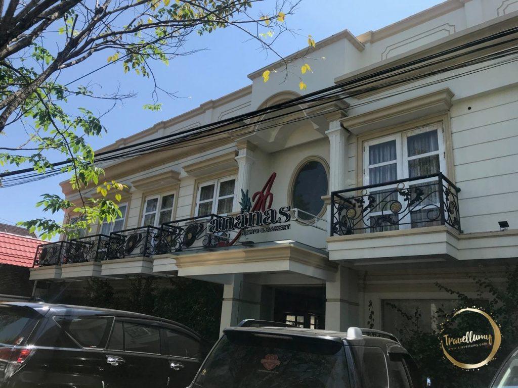 Rumah Makan Ananas Manado - Travellumy.com