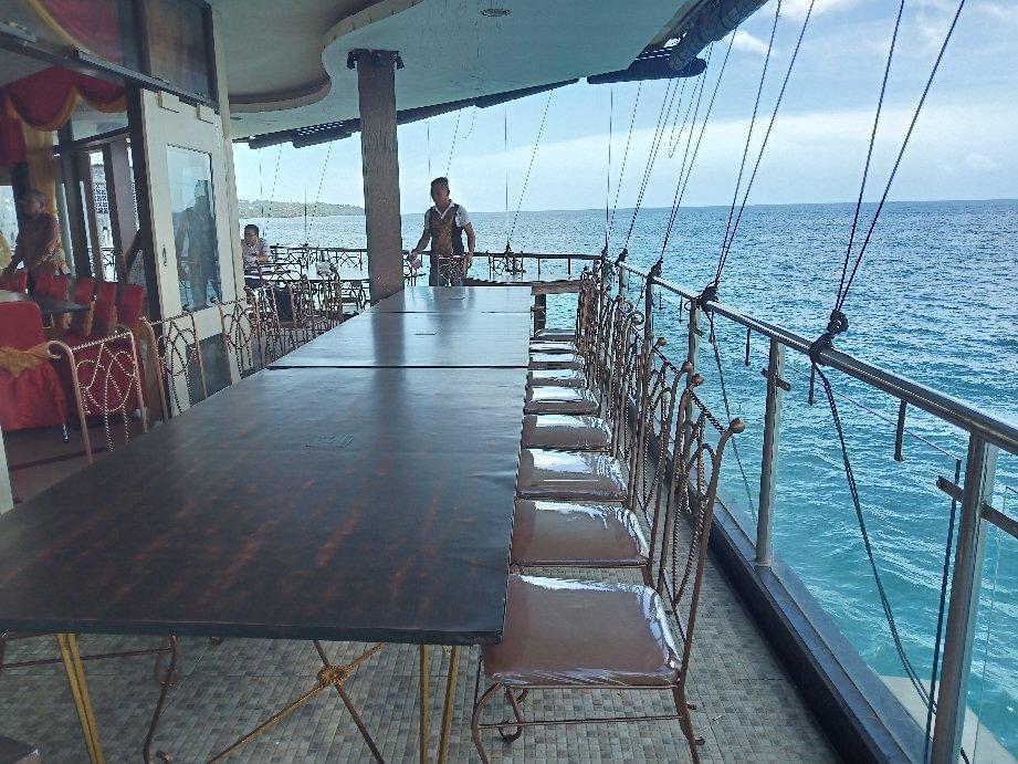 Wisata Bahari Seafood Restaurant - Traveloka.com