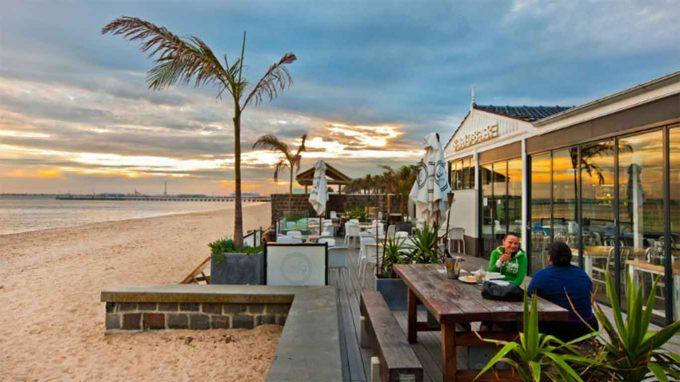 PANTAI CAFE BATAM - Pantainesia.com