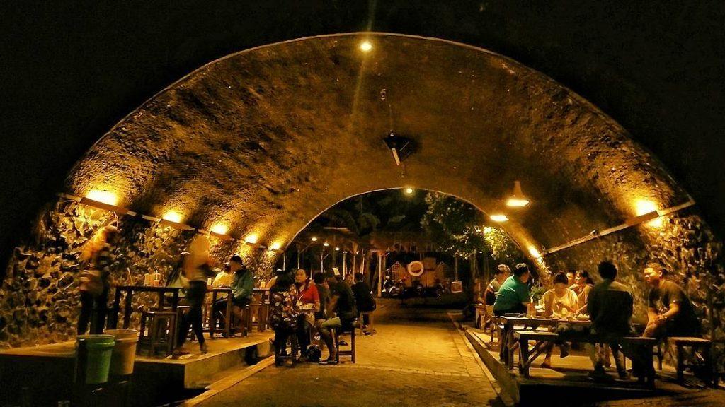 Cafe Kolong